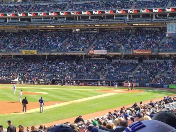 Yankee Stadium, secção: 129, fila: 26