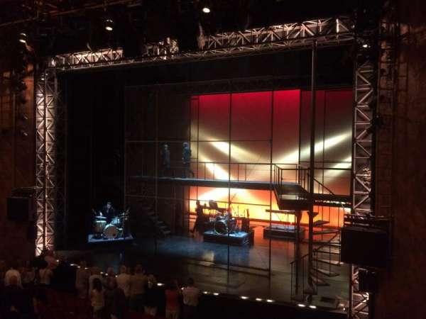 August Wilson Theatre, secção: Mezzanine R, fila: A, lugar: 10