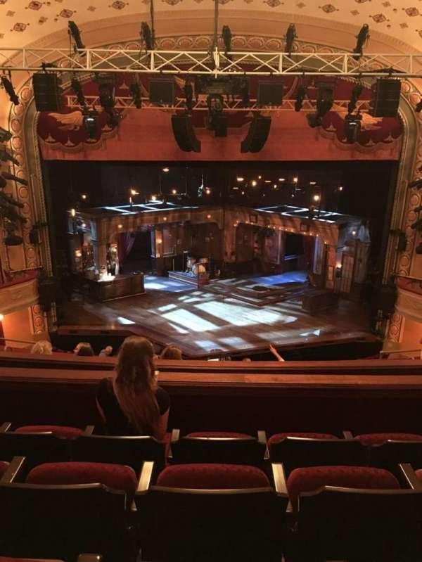 Bernard B. Jacobs Theatre, secção: Mezz, fila: H, lugar: 107