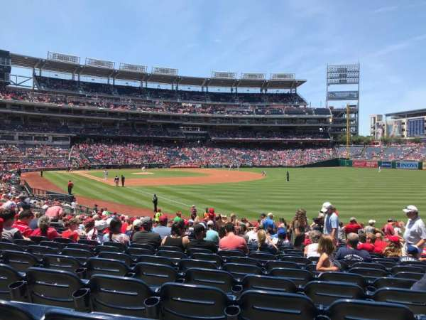 Nationals Park, secção: 136, fila: DD, lugar: 11