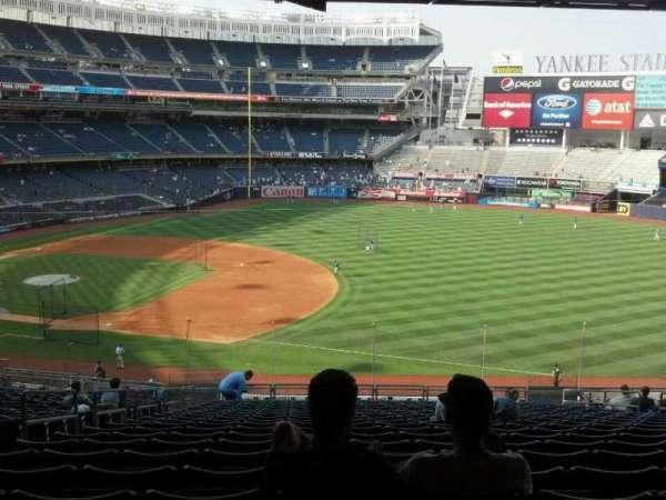 Yankee Stadium, secção: 213, fila: 23, lugar: 13