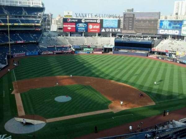 Yankee Stadium, secção: 318, fila: 4, lugar: 8