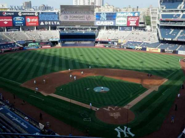 Yankee Stadium, secção: 320c, fila: 3, lugar: 11