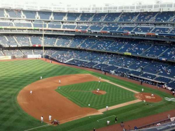 Yankee Stadium, secção: 327, fila: 4, lugar: 17