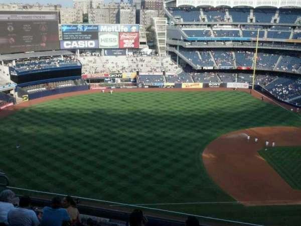 Yankee Stadium, secção: 427, fila: 8, lugar: 7