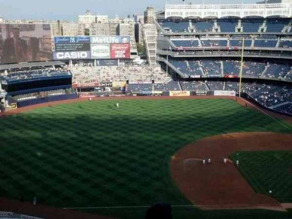 Yankee Stadium, secção: 426, fila: 4, lugar: 13