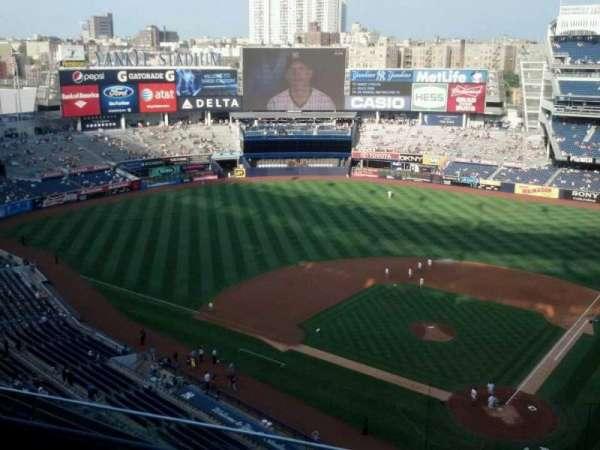 Yankee Stadium, secção: 421, fila: 4, lugar: 10