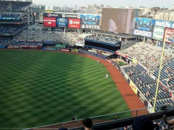 Yankee Stadium, secção: 412, fila: 5, lugar: 13