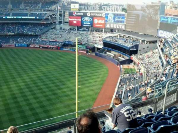 Yankee Stadium, secção: 409, fila: 6, lugar: 10