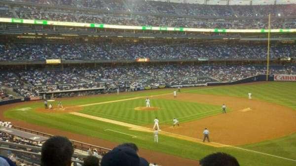 Yankee Stadium, secção: 213, fila: 6, lugar: 5