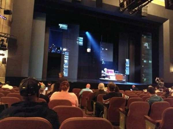 Music Box Theatre, secção: Orchestra L, fila: m, lugar: 3
