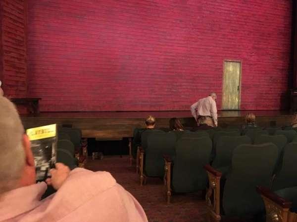 Shubert Theatre, secção: Orchestra L, fila: J, lugar: 1