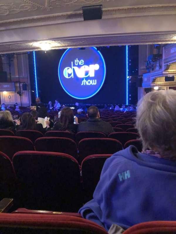 Neil Simon Theatre, secção: Orchestra R, fila: V, lugar: 22