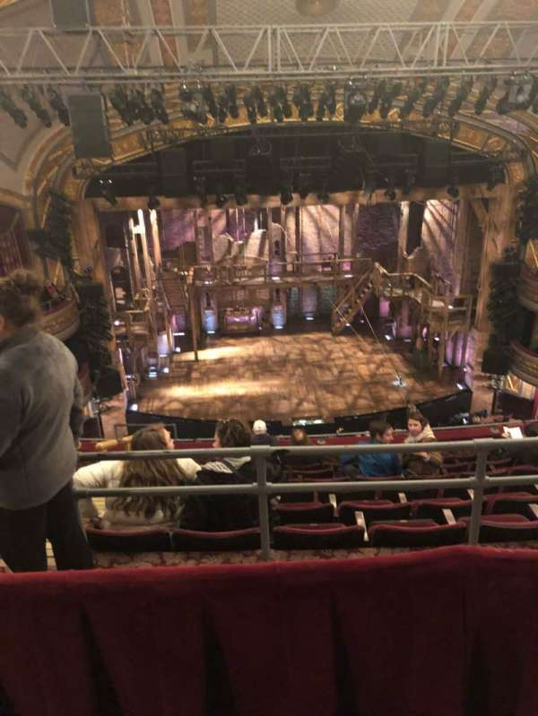 Richard Rodgers Theatre, secção: Rear Mezzanine C, fila: H, lugar: 113