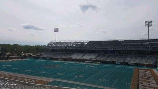 Brooks Stadium, secção: 209, fila: f, lugar: 4