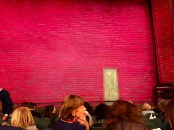 Shubert Theatre, secção: Orch Center, fila: J, lugar: 108