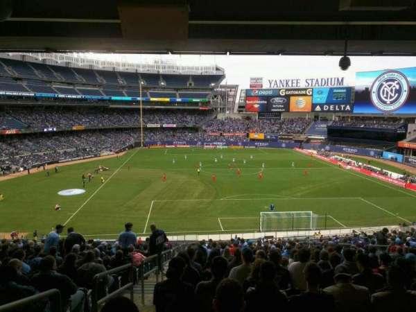 Yankee Stadium, secção: 214A, fila: 23, lugar: 17