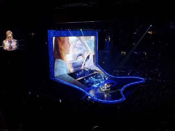 Allstate Arena, secção: 202, fila: H, lugar: 27