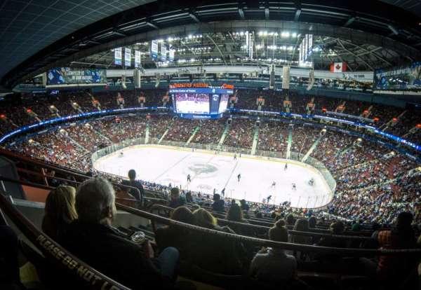 Rogers Arena, secção: 322, fila: 9