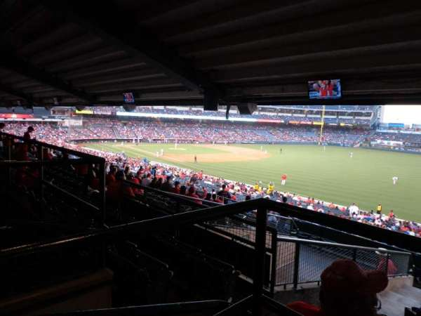 Angel Stadium, secção: T229, fila: AA, lugar: 1