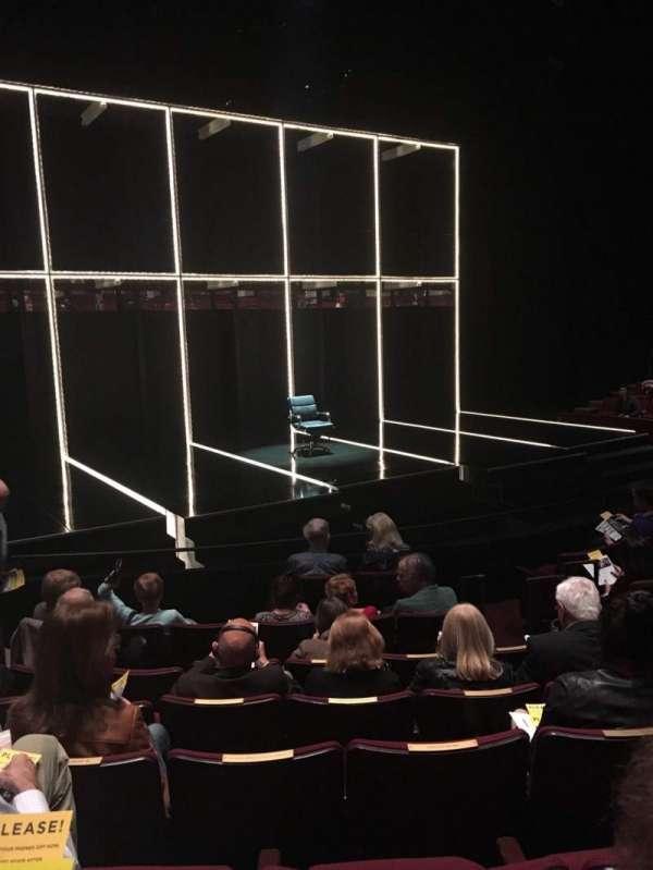 Vivian Beaumont Theater, secção: Orchestra LC, fila: J, lugar: 205