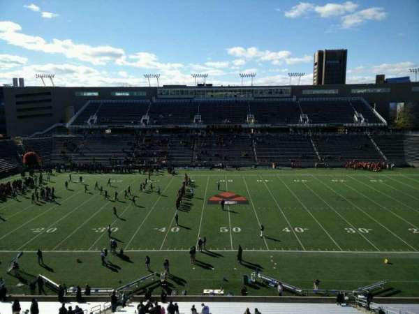 Princeton Stadium, secção: 27, fila: 32, lugar: 3