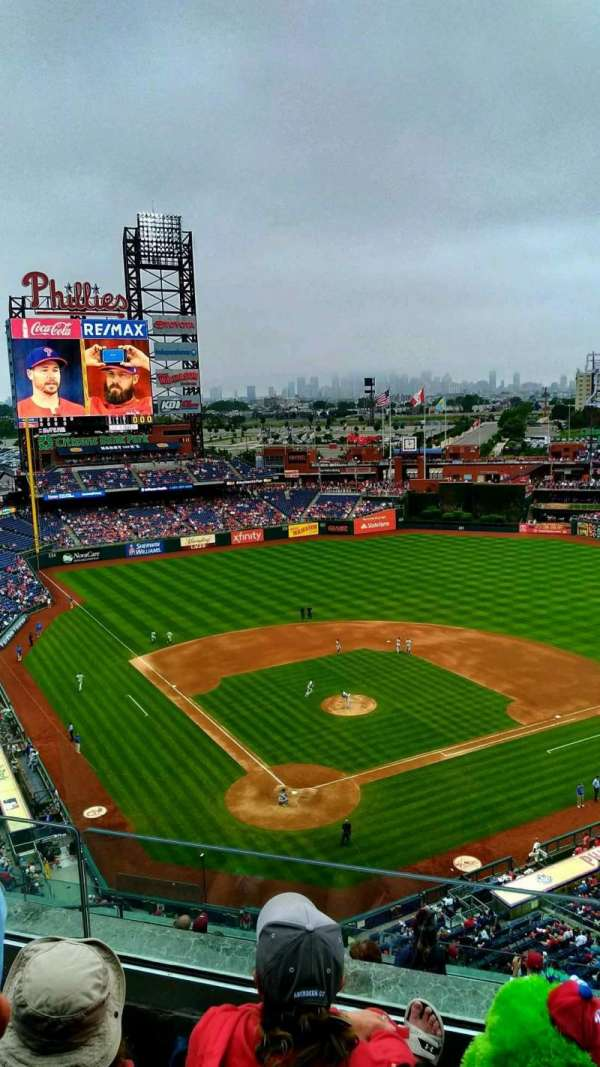 Citizens Bank Park, secção: 419, fila: 3, lugar: 15