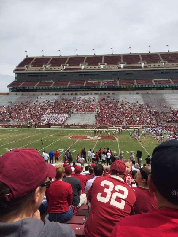 Gaylord Memorial Stadium, secção: 4, fila: 1, lugar: 7