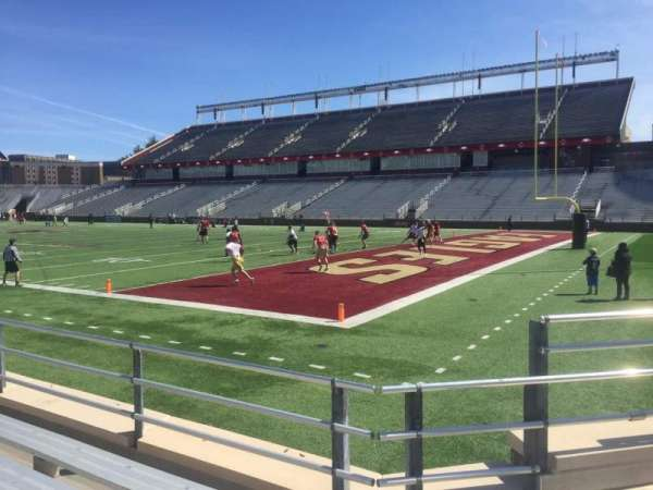 Alumni Stadium, secção: G, fila: 8