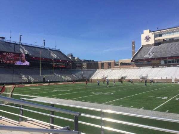 Alumni Stadium, secção: R, fila: 5, lugar: 33