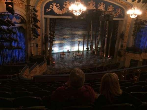 Gerald Schoenfeld Theatre, secção: Mezzanine L, fila: J, lugar: 21