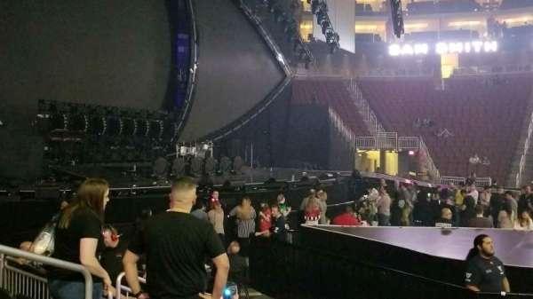 Gila River Arena, secção: 102, fila: G, lugar: 14