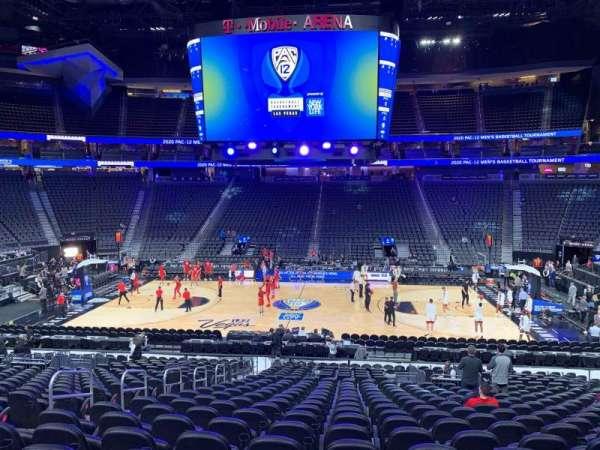 T-Mobile Arena, secção: 16, fila: U, lugar: 6