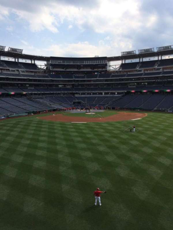 Nationals Park, secção: 242, fila: A