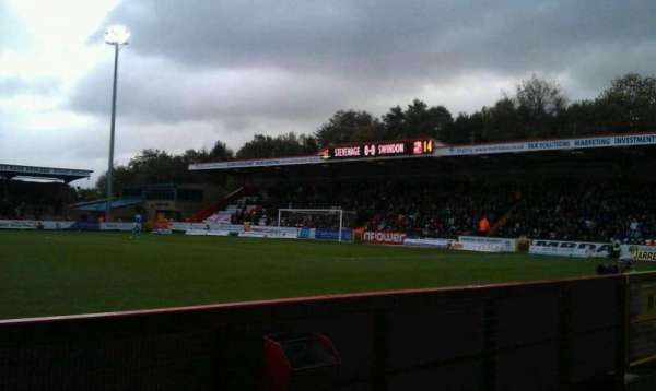 Broadhall Way, secção: Main, fila: B, lugar: 140
