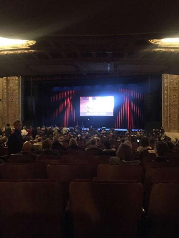 Chicago Theatre, secção: MNFL3R, fila: R, lugar: 308