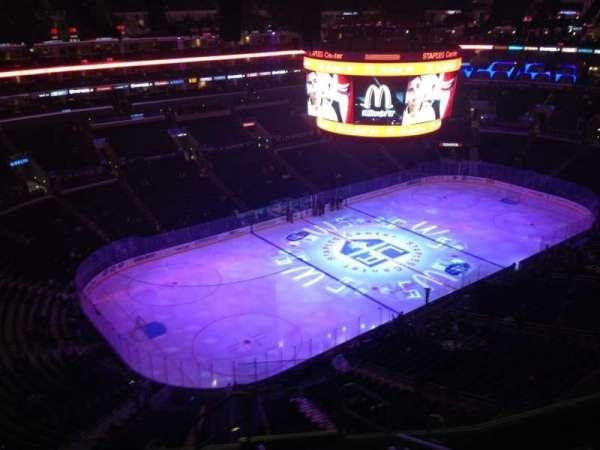 Staples Center, secção: 305, fila: 8, lugar: 1