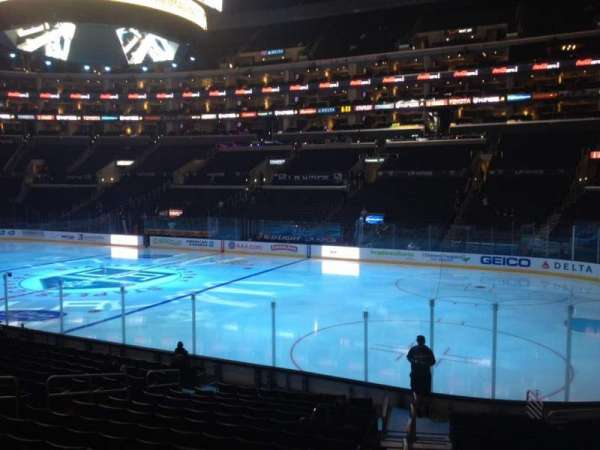 Staples Center, secção: 109, fila: 17, lugar: 1