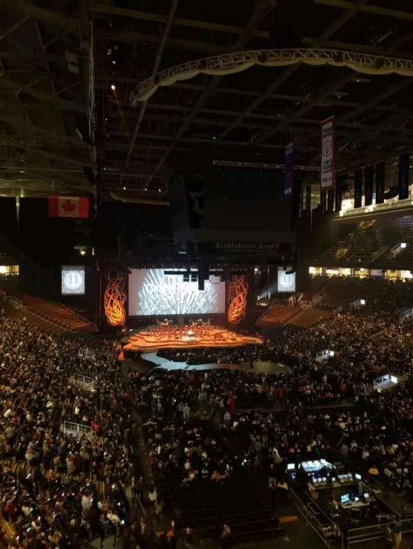 Scotiabank Arena, secção: 304, fila: 2, lugar: 24
