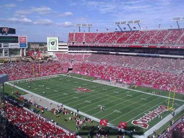 Raymond James Stadium, secção: 318, fila: A, lugar: 5