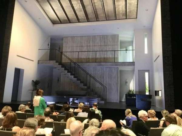 Laura Pels Theatre, secção: Orchestra, fila: H, lugar: 102