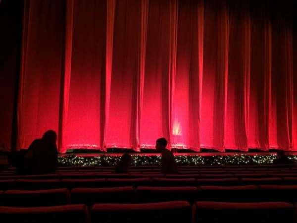 Radio City Music Hall, secção: Orchestra 5, fila: JJ, lugar: 511