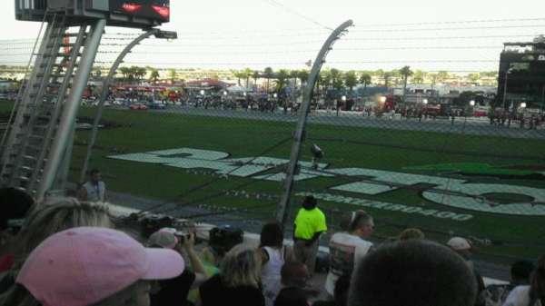 Daytona International Speedway, secção: Campbell e, fila: 7, lugar: 49