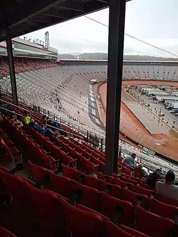 Bristol Motor Speedway, secção: pt a, fila: 13, lugar: 5
