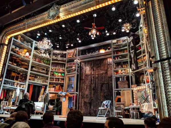 Laura Pels Theatre, secção: ORCH, fila: F, lugar: 8