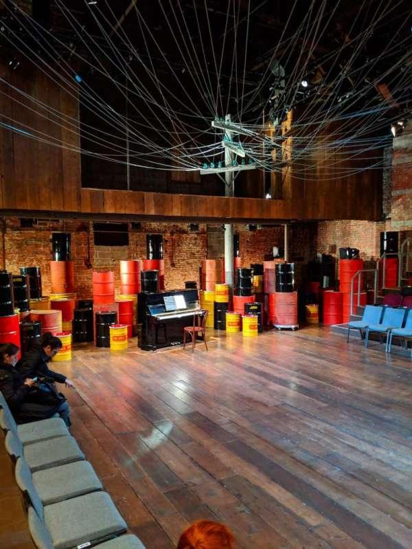 Classic Stage Company, secção: ORCH, fila: B, lugar: 103