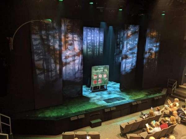Laura Pels Theatre, secção: Front Mezz, fila: AA, lugar: 7