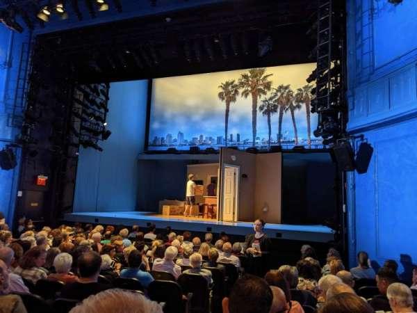 Hayes Theater, secção: Orchestra R, fila: N, lugar: 4