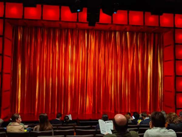 The Newman Theater at the Joseph Papp Public Theatre, secção: Orchestra, fila: H, lugar: 11