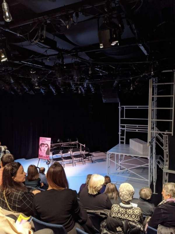 Mezzanine Theatre, secção: ORCH, fila: F, lugar: 119